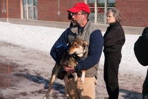 собака с хозяином (c) Robert Emperley / flickr.com